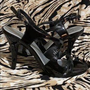 Black New Directions Sexy strapping heels